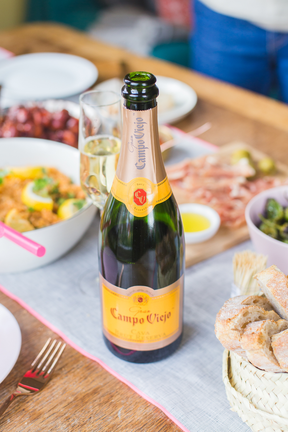 Fancy cooking an easy Spanish feast? I'm sharing some tasty recipes for chicken, chorizo and padron peppers plus the perfect sparkling Campo Viejo cava to complement everything.