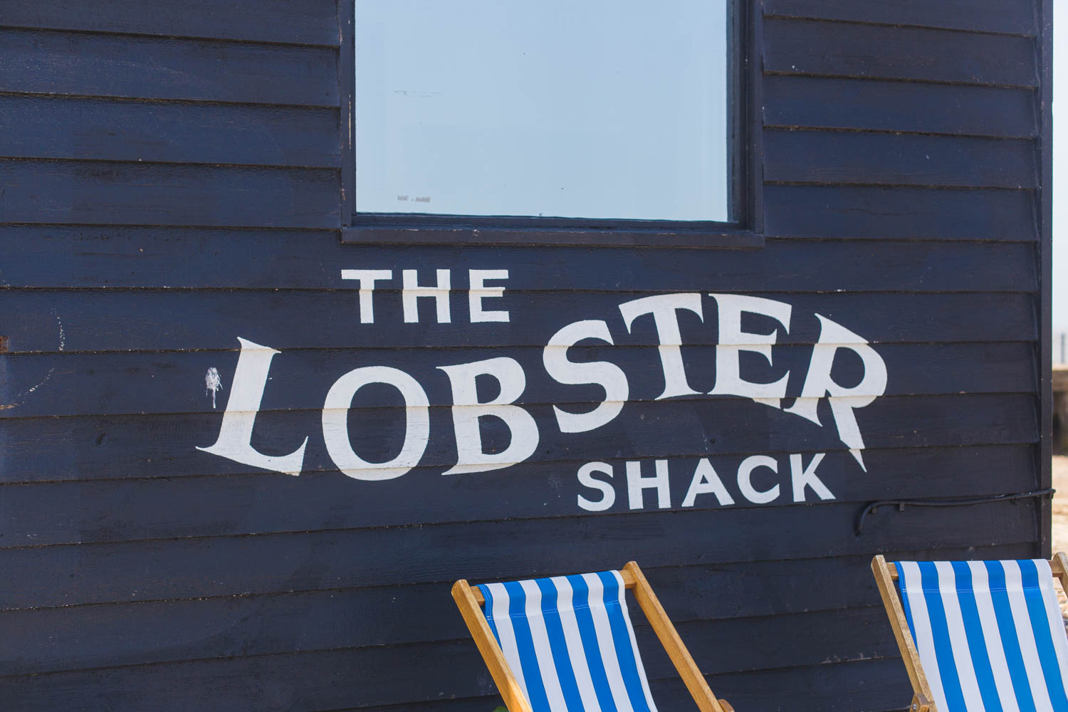 The Lobster Shack - Ever wondered where all the colourful houses are in Whitstable? I'm sharing a few pastel streets to discover in this harbour town in Kent plus the cafés and restaurants where you can edit your snaps.